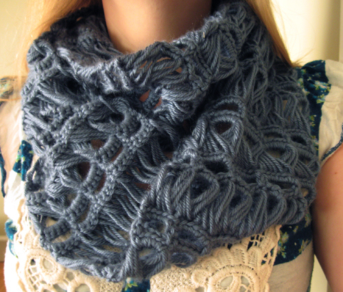 Crochet Broomstick Lace Scarf (FREE Pattern) BeesDIY.com