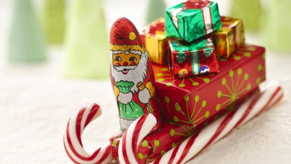 DIY-Candy-Cane-Sleighs-for-Christmas4