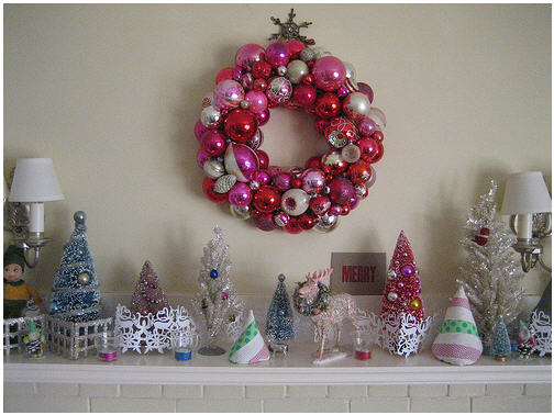 DIY Christmas-Bauble-Wreath