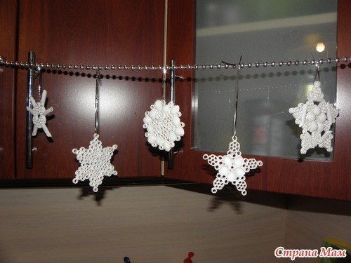 DIY-Pasta-Snowflake-Ornaments-14