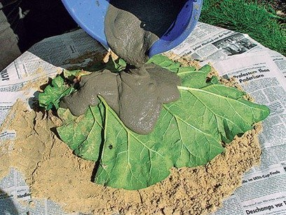 DIY-Sand-Cast-Birdbath-in-Leaf-Shape05