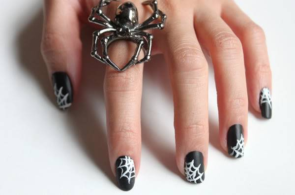 DIY halloween nail art9