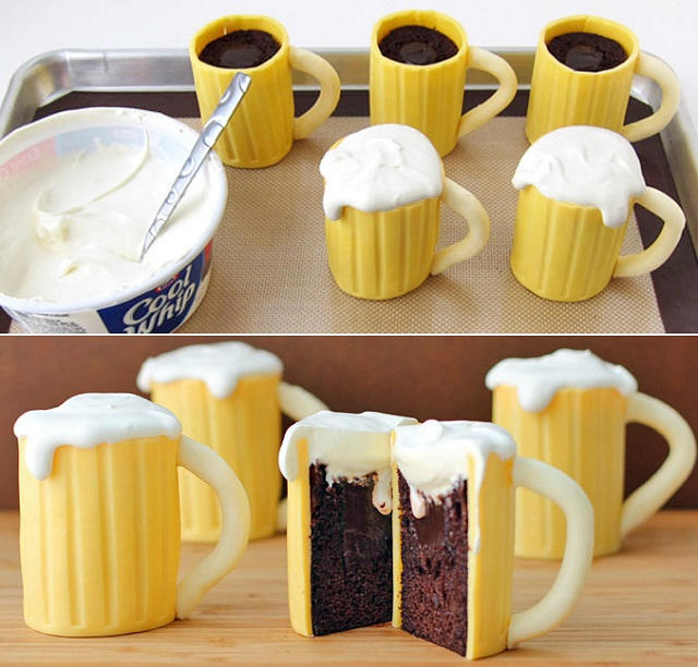 beer-mug-cupcakes-with-baileys-filling