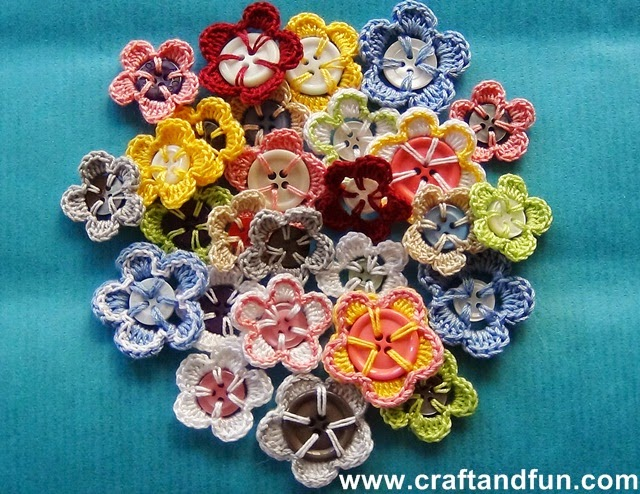 crochet-button-flower free pattern 2