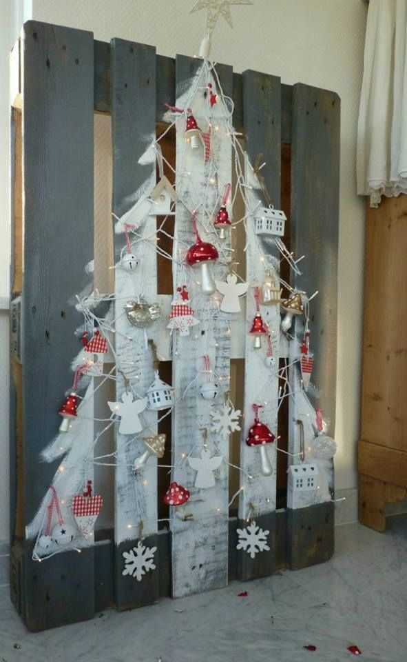 20-Unique-DIY-Christmas-Tree-Ideas-and-Projects-Anyone-Will-Love17