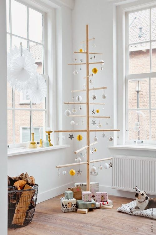 20-Unique-DIY-Christmas-Tree-Ideas-and-Projects-Anyone-Will-Love3