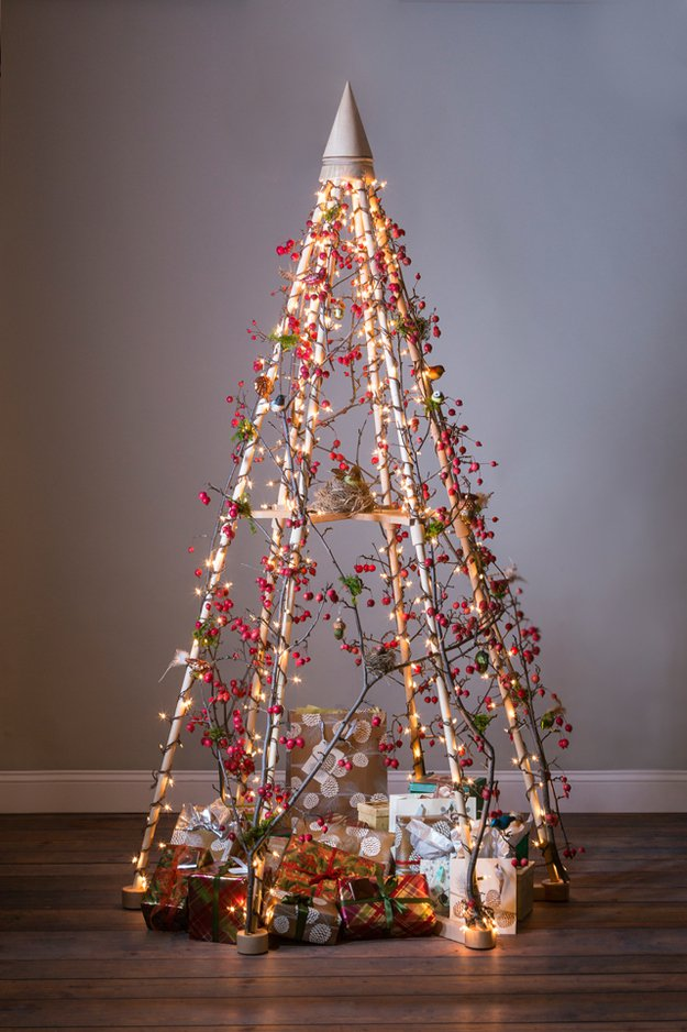20-Unique-DIY-Christmas-Tree-Ideas-and-Projects-Anyone-Will-Love5