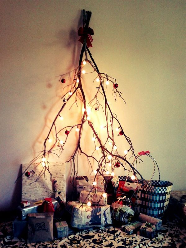 20-Unique-DIY-Christmas-Tree-Ideas-and-Projects-Anyone-Will-Love9