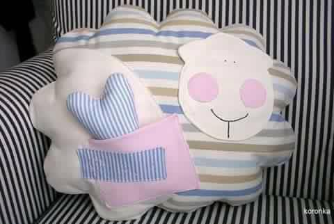 Creative-DIY-Pillow-Ideas-15