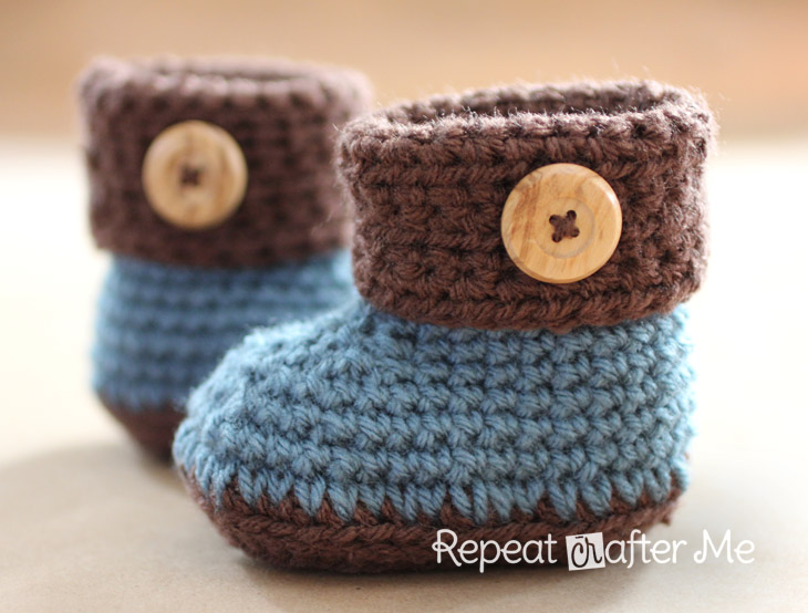 Free Crochet Pattern Of Baby Booties : Crochet Cuffed Baby Booties Pattern (FREE) BeesDIY.com
