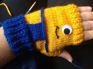 Crochet Minion-Glove-Free- Patterns