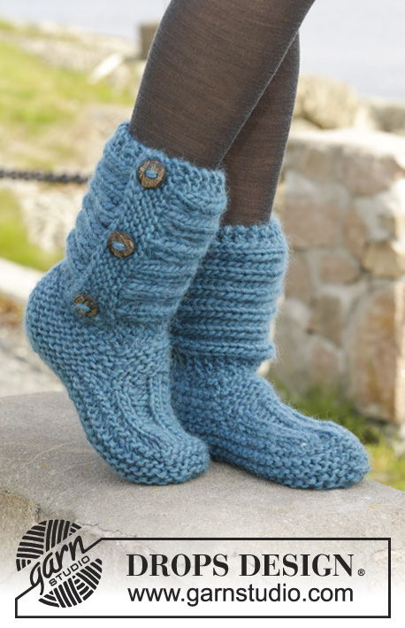 Knitting Pattern Ladies Slipper Boots : 8 FREE Knitted & Crochet Slipper Boots Patterns BeesDIY.com