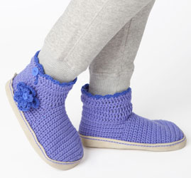 DIY-Stylish-Knitted-and-Crochet-Slipper-Boots-7