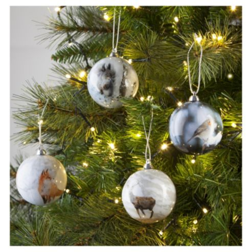 How-to-Decoupage-bauble Ornament with Napkin