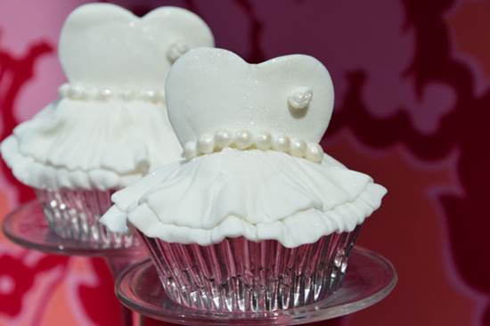 How-to-Make-Cute-Ballerina-Cupcakes-DIY-Ideas-3