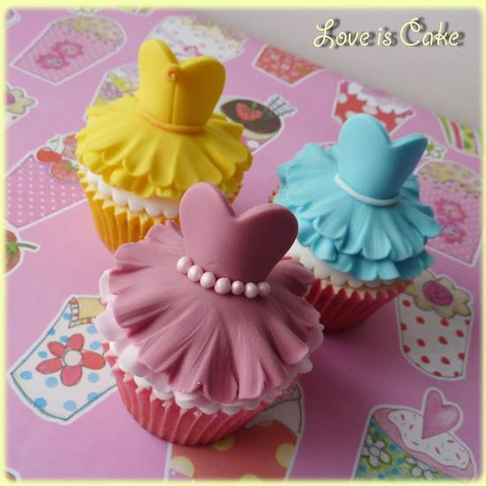 How-to-Make-Cute-Ballerina-Cupcakes-DIY-Ideas-5