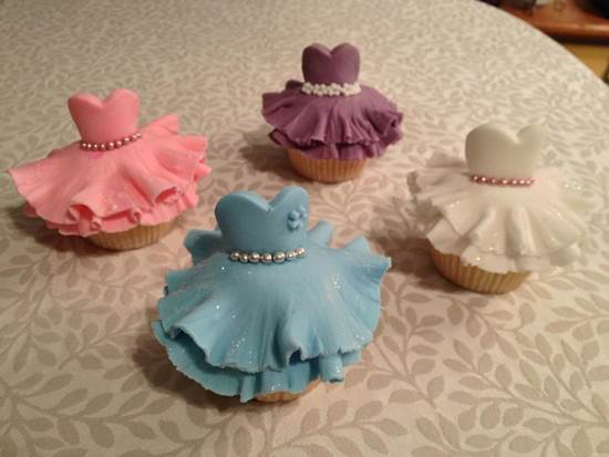 How-to-Make-Cute-Ballerina-Cupcakes-DIY-Ideas-6