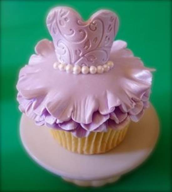 How-to-Make-Cute-Ballerina-Cupcakes-DIY-Ideas-7