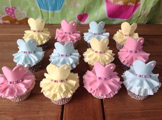 How-to-Make-Cute-Ballerina-Cupcakes-DIY-Ideas-8