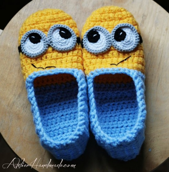 10 super cute crochet minion patterns beesdiy minion slipper crochet patterns dt1010fo