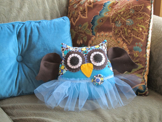 17 Cutest DIY Pillow Ideas-owl pillow