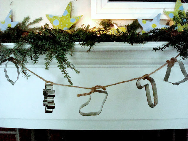 Things-You-Never-Thought-to-Do-With-Christmas-Cookie-Cutters-cookie-cutter-garland-
