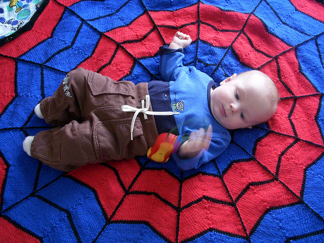 knit Spiderman blanket free pattern