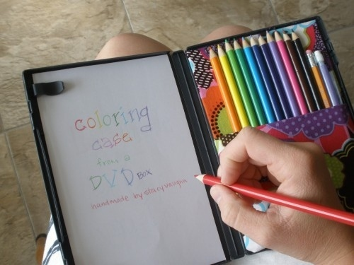 20+ Brilliant Parenting Hacks That Will Make Life Easier - Transform a DVD case into a travel art kit