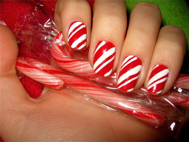 20+ Cutest Christmas Nail Art DIY Ideas 21