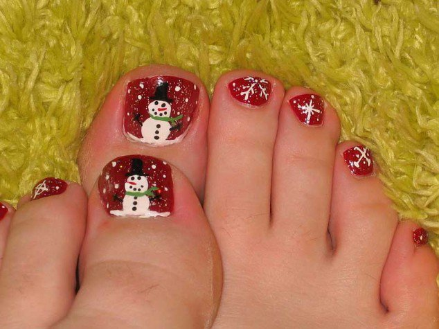 20+ Festive Christmas Nail Art Ideas 22