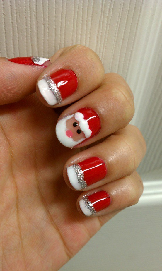 20+ Festive Christmas Nail Art Ideas 23