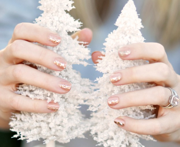 20+ Cutest Christmas Nail Art DIY Ideas--hint-of-glitter-on-nude-polish