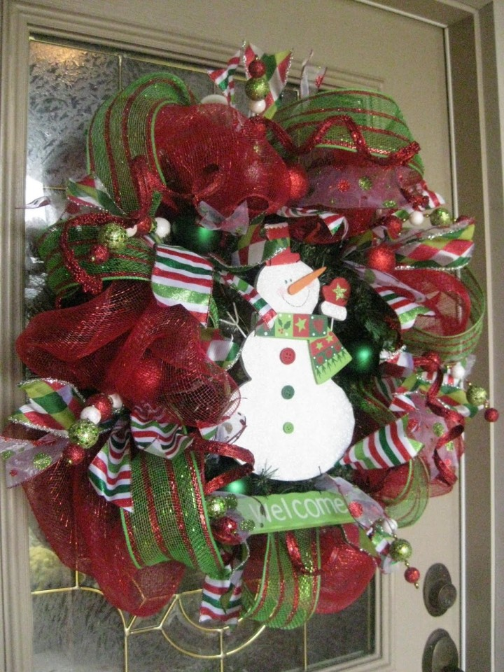 20-DIY-Christmas-Wreath-Ideas-and-Projects-to-Adore-Your-Home17
