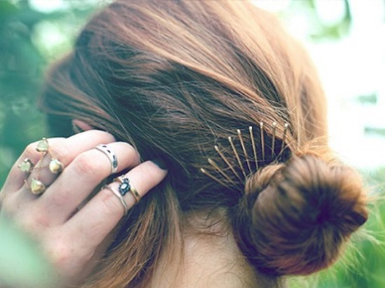 20-Fabulous-Ways-to-Use-Bobby-Pins-15