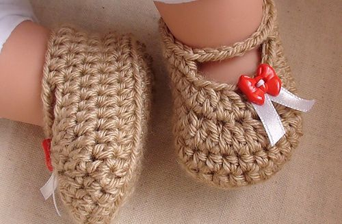 Crochet Mary Jane Baby Slippers Pattern (FREE) 5