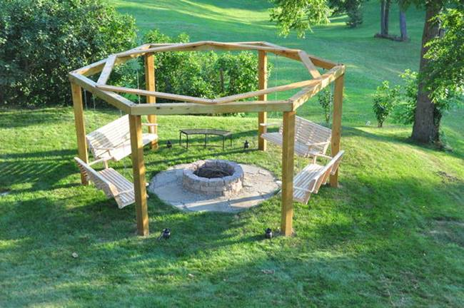 DIY-Backyard-Fire-Pit-with-Swing-Seats-3