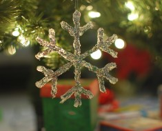 DIY Hot Glue Snowflake Ornament