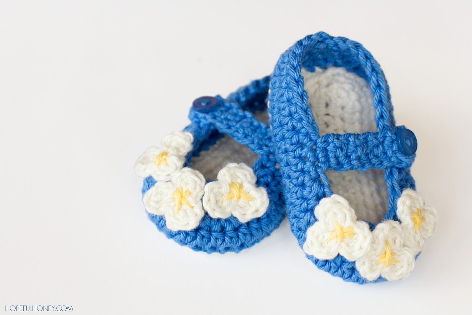 Crochet Mary Jane Baby Slippers Pattern (FREE)