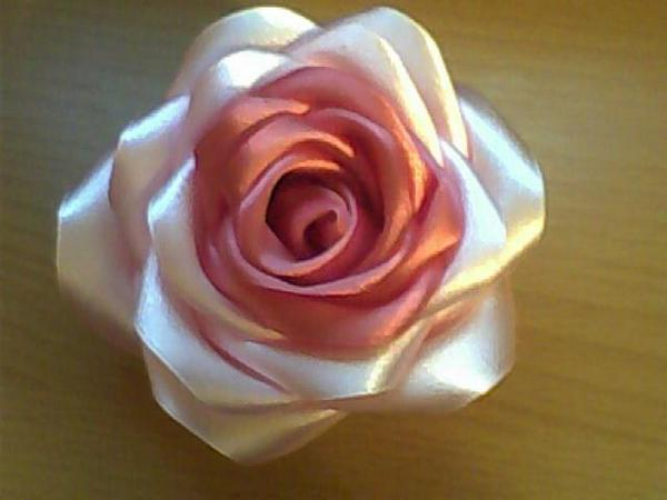 How to Make Pretty DIY Ribbon Rose8