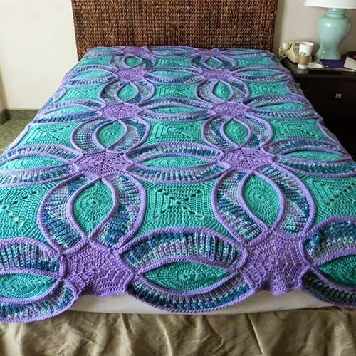 Free Crochet Patterns For Quilts : Wedding Ring Crochet Quilt (FREE Pattern) BeesDIY.com