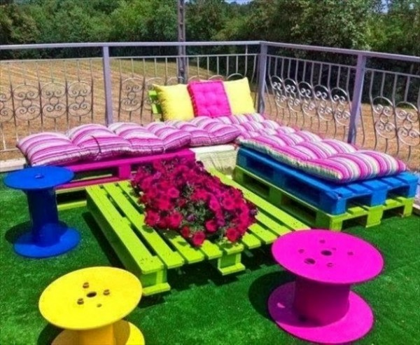 10 Incredibly Useful DIY Kids Pallet Furniture Projects6
