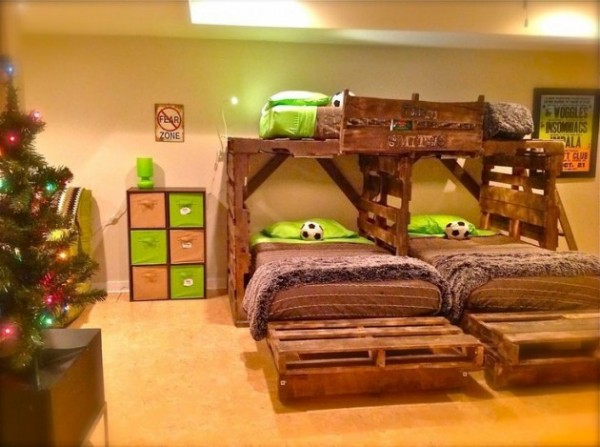 10 Incredibly Useful DIY Kids Pallet Furniture Projects7