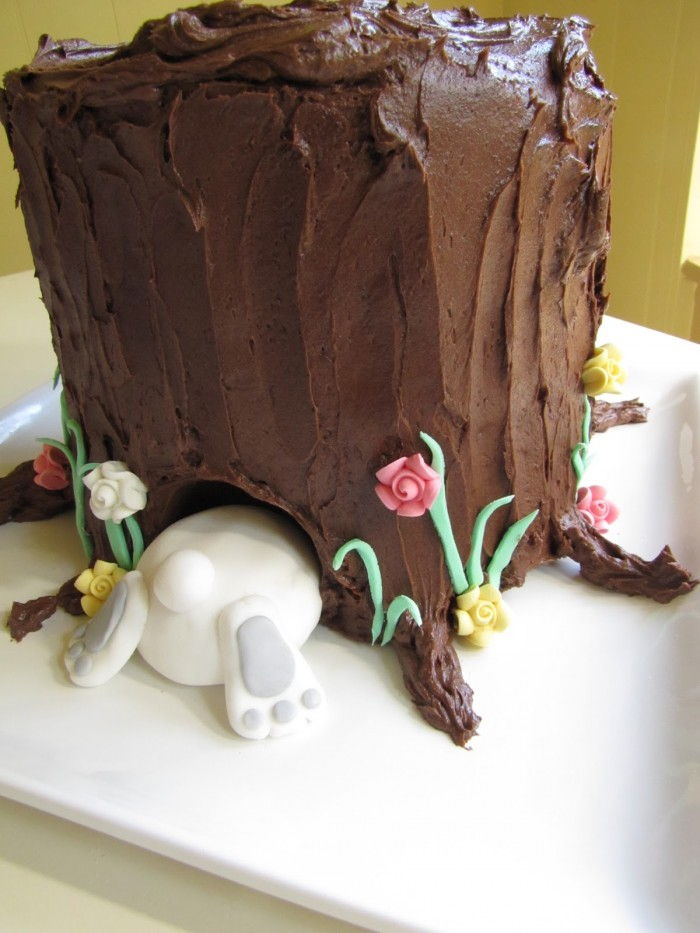 Delicious Easter Treats and Desserts16- tree stump bunny butt cake