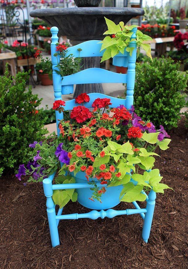 Top 15 Low-Budget DIY Garden Planters 10