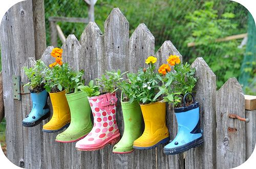 Top 15 Low-Budget DIY Garden Planters 11