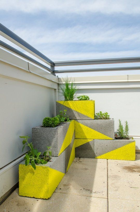 20 Creative Ideas to Use Concrete Blocks for Your Home19