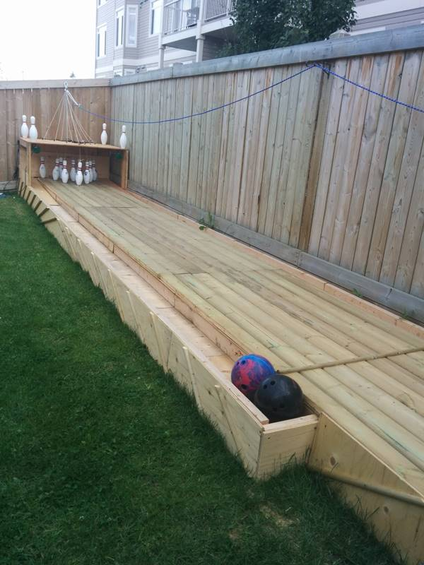 DIY Bowling Alley for backyard2