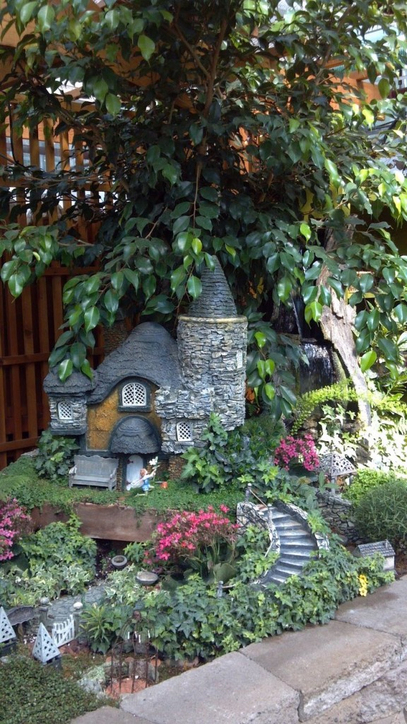 DIY Miniature Stone Fairy House8