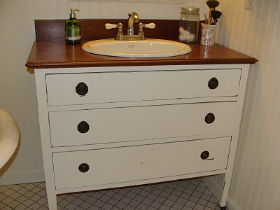 Turn Old Dresser into DIY Vanity4